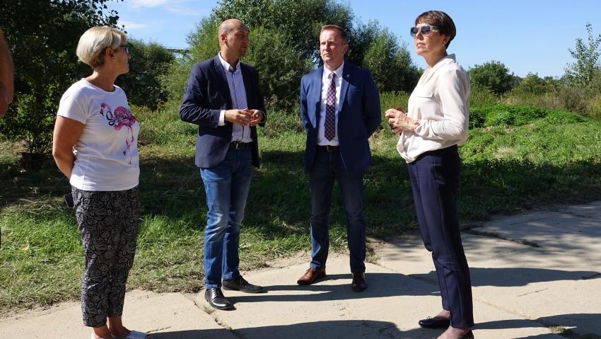 Władze powiatu nyskiego z wizytą w Morowie