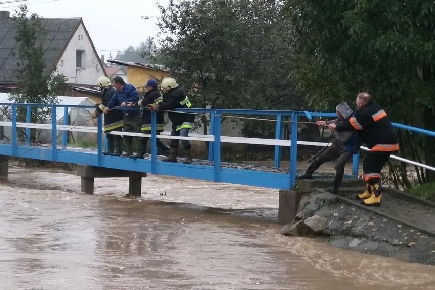 Zabezpieczenia powodziowe w Morowie