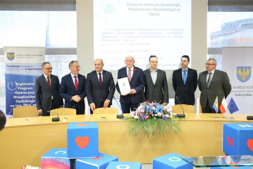 Samorząd województwa opolskiego dba o dzieci i mamy