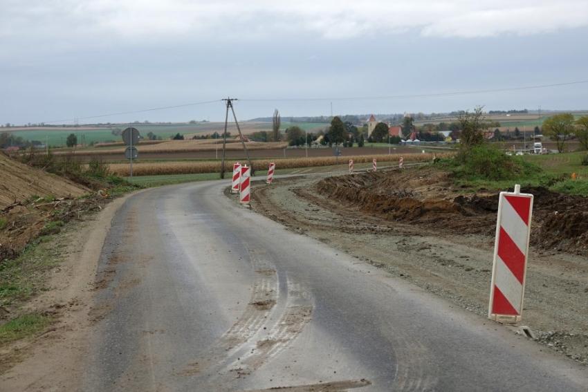 Drogi powiatowe dostają nowe życie
