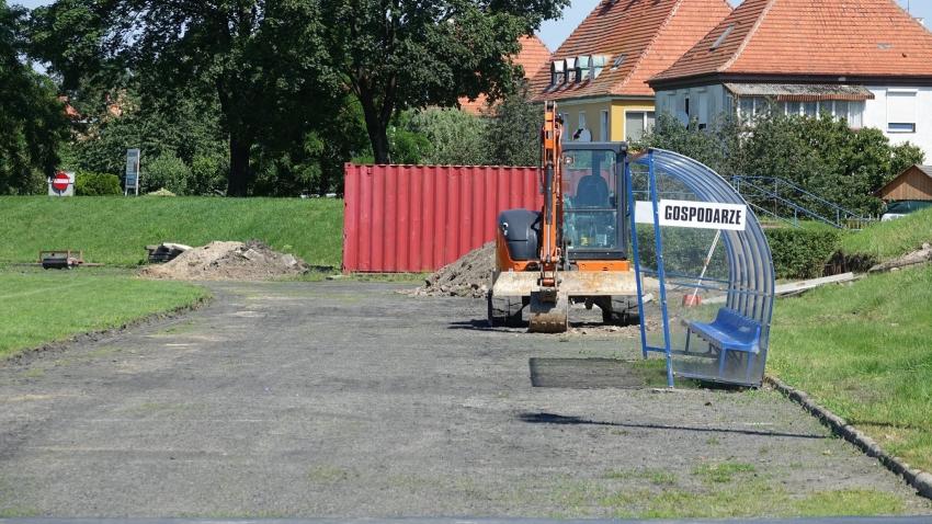 Rozpoczął się remont stadionu Polonii Nysa