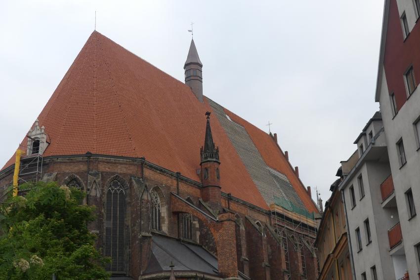 Dobiegają końca prace na dachu nyskiej Bazyliki