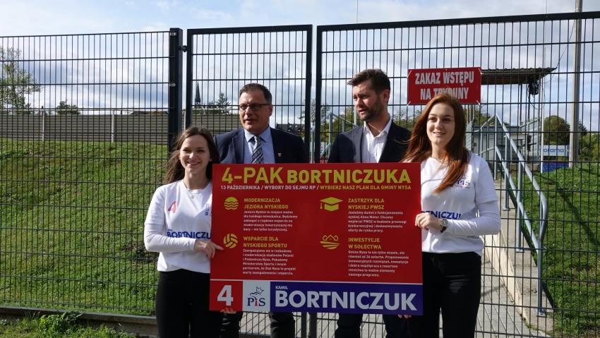 Poseł Bortniczuk zaprezentował w Nysie swoją 'czwórkę'