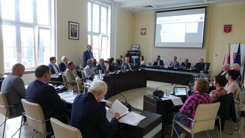 Radni gminy Nysa spotkają się dzisiaj na sesji