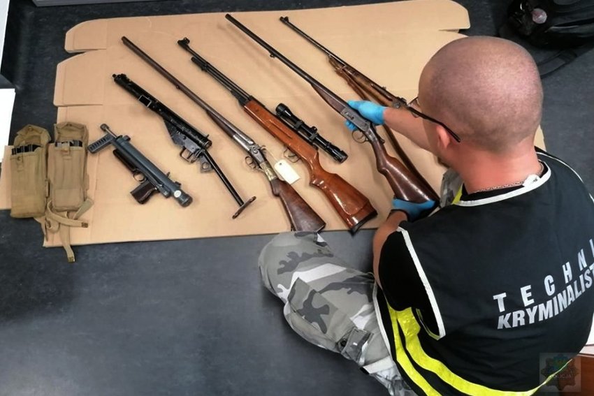 Nielegalny arsenał broni