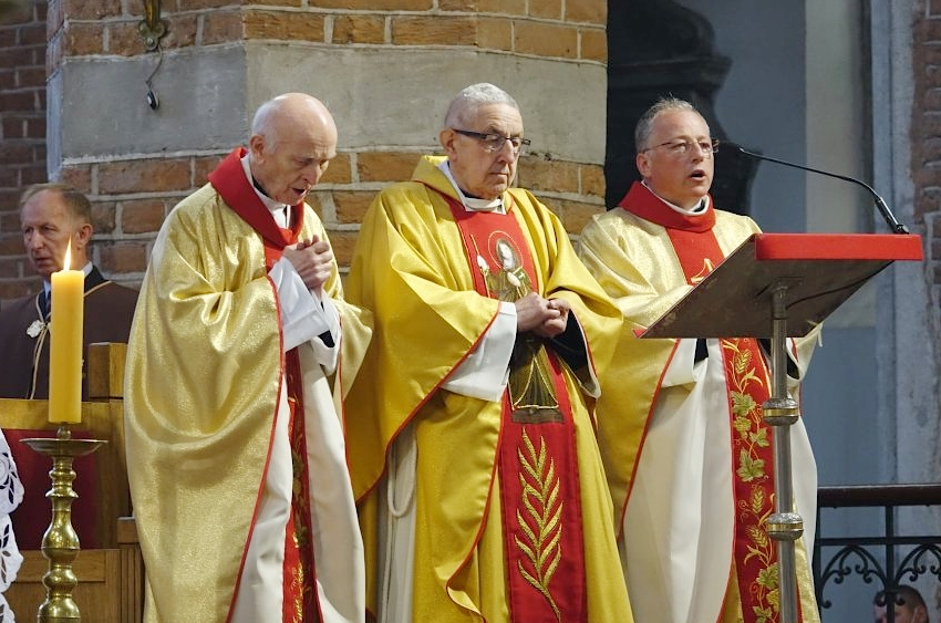 Ksiądz prałat Mikołaj Mróz przechodzi na kapłańską emeryturę