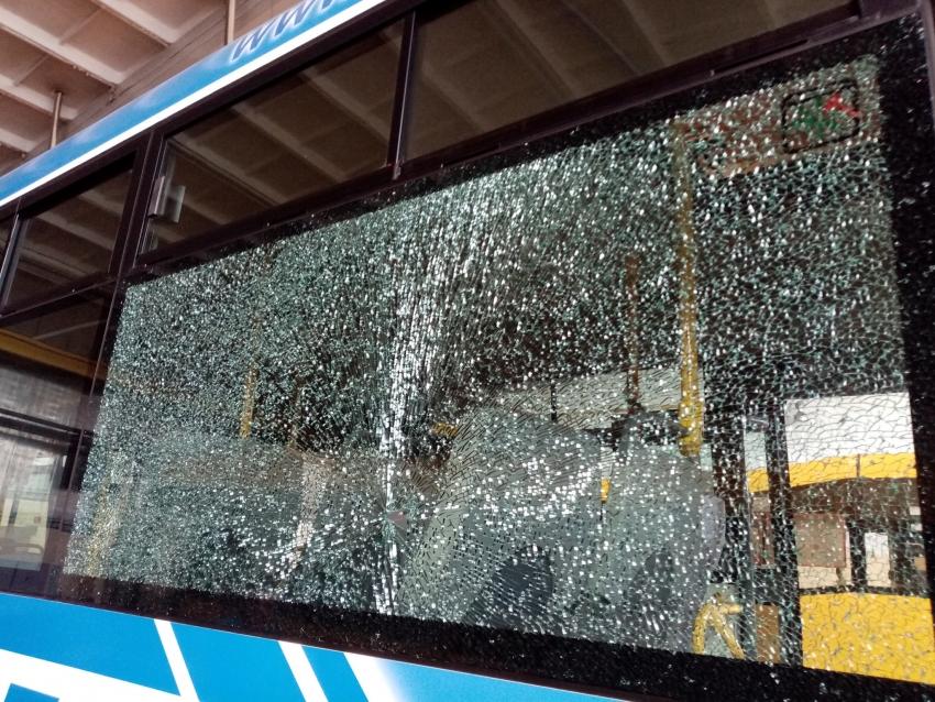 Ostrzelano autobus nyskiego MZK